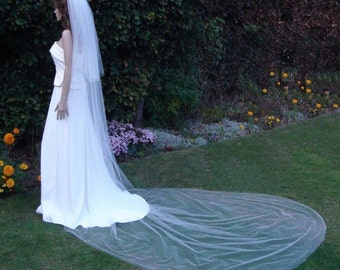 2 tier Regal length veil - Undecorated with a plain cut edge