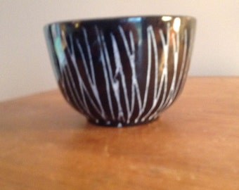 Black & white glazed pottery bowl