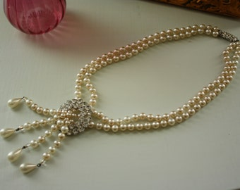 Vintage 1950s Pearl and Diamante Necklace