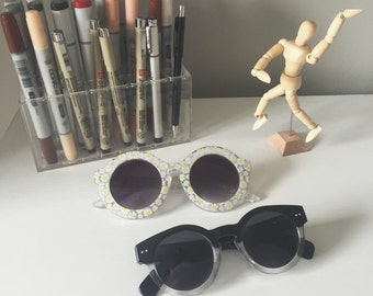 never been worn vintage style sunglasses!!
