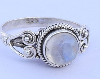 Moonstone Ring - Rainbow Moonstone Ring - Moonstone Jewelry - Silver Ring - Gemstone Ring - June Birthstone - Moonstone Engagement Ring