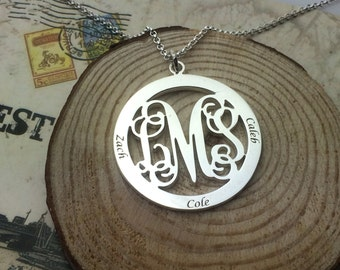 Monogram Family Necklace, Personalized Mothers Necklace, Mom Jewelry, Family Name Necklace,Disc, mother daughter necklace