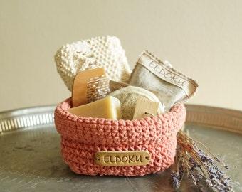 Gift basket, crochet