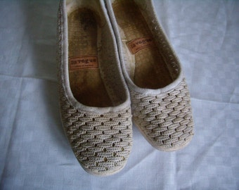 Vintage Sandals sneakers female, size EU 39 / 81/2 US, fabric lace ecru 1980, french Vintage