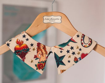 Tattoo pattern Peter Pan collar with golden star studs and bras shank button closure