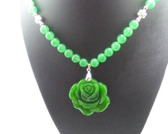 Handmade Green Jade Beaded Necklace with Jade Flower Pendant.