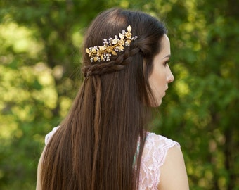 Leaf bridal hair comb Gold leaves headpiece Wedding hair comb Floral headpiece Gold flower comb Wedding leaf headpiece Bridal hair comb