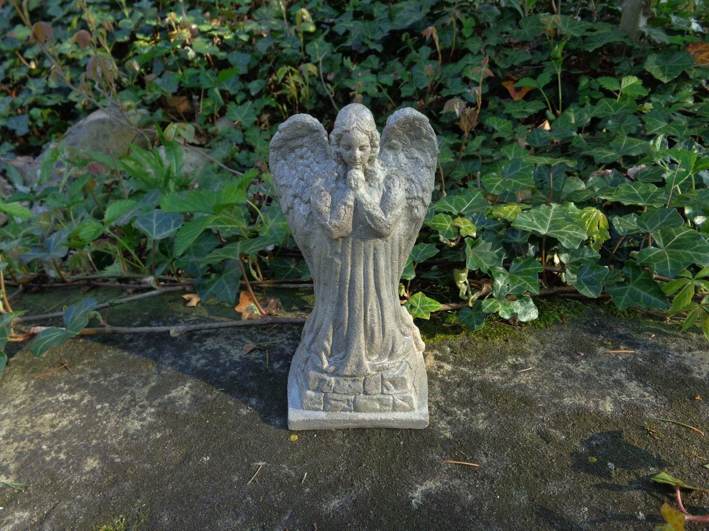 Concrete angel statue garden angel garden decor concrete - Angel statue for garden ...