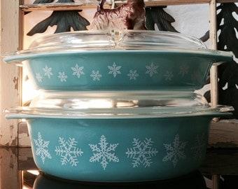 Bowl Turquoise Pyrex Bowl Blue Snowflake Pyrex Dish Blue Snowflake Casserole Dish SOLD Snowflake Pyrex Divided Dish FOR SALE Vintage Pyrex B