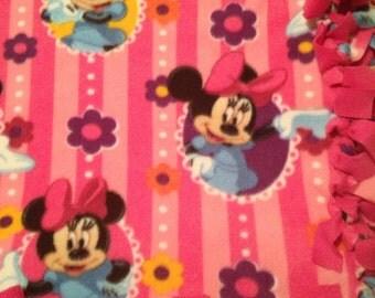 Girls Fleece Tie Blanket, Minnie Mouse Fleece Tie Blanket, Girls No Sew Fleece Blanket,  Minnie Mouse Throw Blanket, Minnie Mouse Bedding