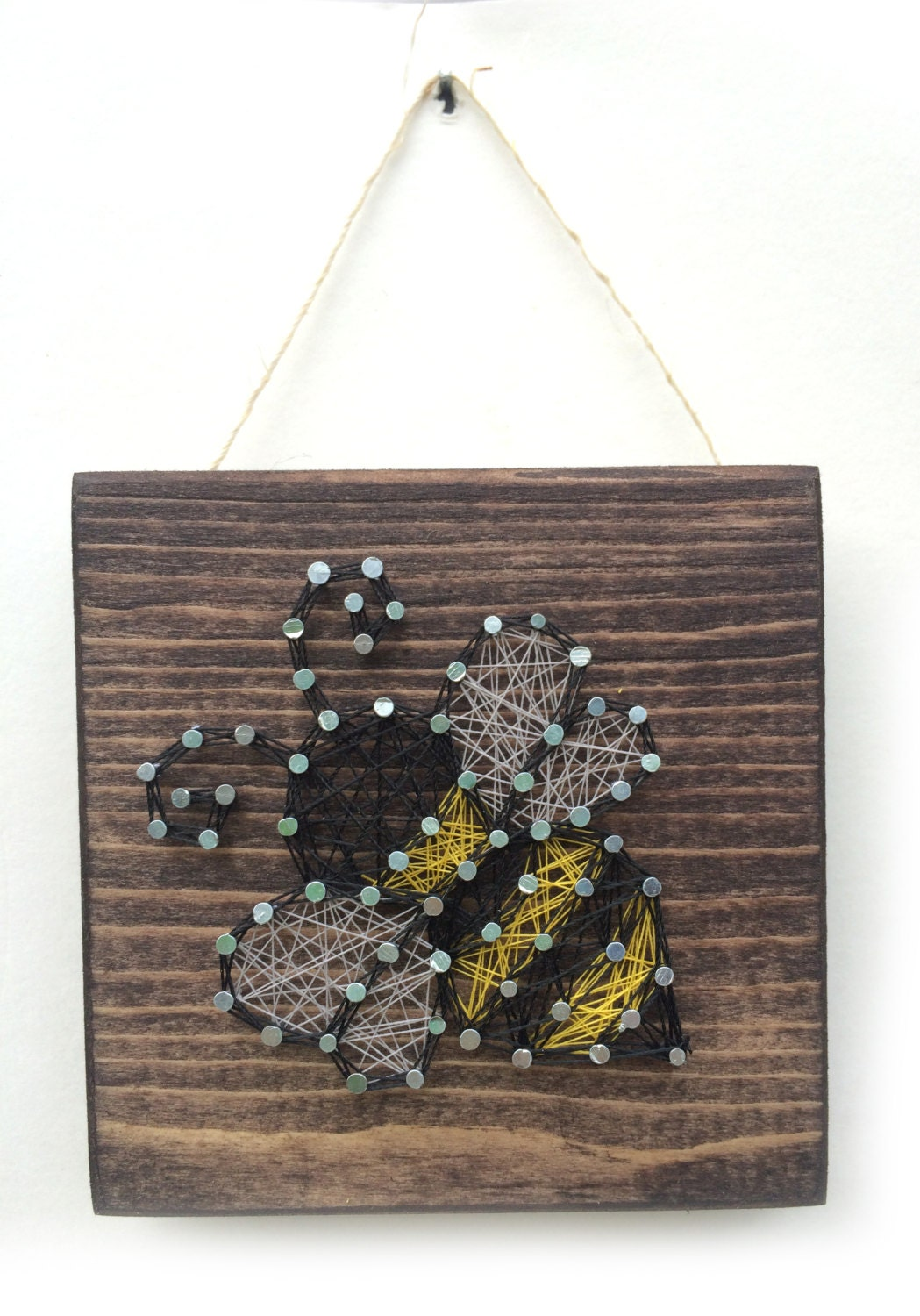 Bumble bee string art home or office decor for Honey bee decorations for your home