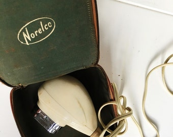 Norelco Electric Razor, Vintage Norelco Travel Razor with Case