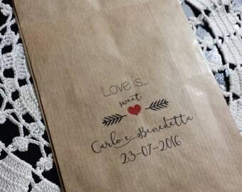 "kraft bags 25 mod. ""Love is ..."" edge lace effect"