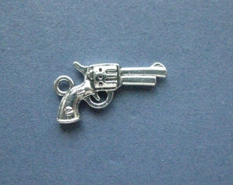 10 Gun Charms - Gun Pendants - Gun - Pistol - Cowboy Gun -  Antique Silver - 22mm x 12mm -- (No.116-12027)