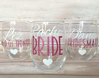 SET OF 5, bridesmaids cups, bachelorette cups, wedding cups, initial wine glasses, custom wine glass, custom wedding gift, bachelorette cup