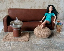 """Dollhouse jute pouf and rug 1:6 scale, Handknitted ottoman pouf, Playscale diorama furniture, Barbie, Liv, 12"""" Fashion dolls, Beige jute"""