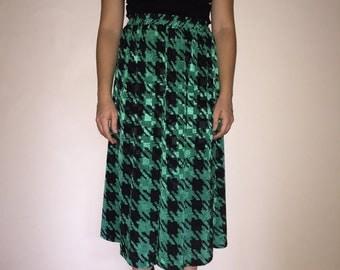 Maycene Vintage Houndstooth Skirt