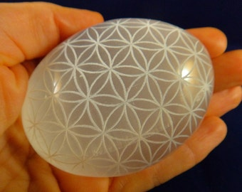 LASER ETCHED SELENITE Palmstone