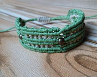Bronze Green macrame bracelet