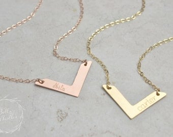 Personalized Chevron Necklace / Gold, Silver, Rose Gold / Custom Name Necklace Handstamped Initial / Bridesmaid necklace LA135