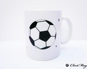 Mug, football mug, footballer, coffee mug, soccer ball mug, football mug, personalized mug, black and white mug, minimalist mug, ChatMage
