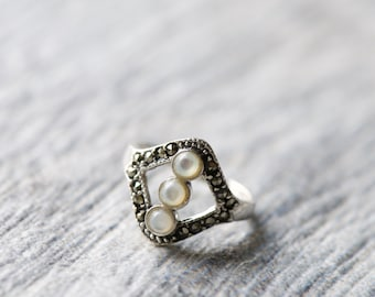 Mother of Pearl Marcasite Statement Ring, 925 Sterling Silver, Gemstone, Natural Pearl, Antique Style Ring, Vintage Look Ring,  Elegant Ring