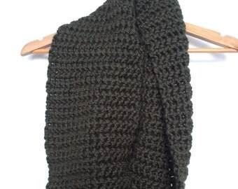 Forest Green Crocheted Chunky Infinity Scarf Cowl