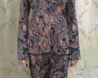 SALE: Was 120 now 99, 1970s Vintage Ladies Paisley Suit by Jantzen