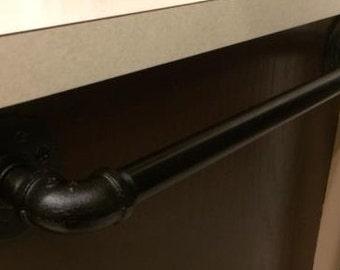 "3/4"" Black Iron Pipe Towel Bar"