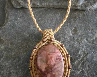 Unique jewellery in macrame chic bohemian style