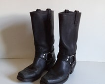 Women's Frye biker boots// Vintage 1990's shit kickers//  Classic black leather motor cycle Engineer harness and ring// Size 8 M