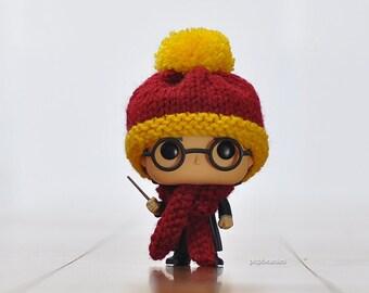 Harry Potter 'Gryffindor' Knitted Beanie & Scarf Set For Pop! Vinyl Figures