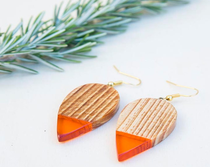 Wood earrings, orange earrings, orange resin earrings, gift for women, wood jewelry, resin jewelry, birthday gift, colorful earrings