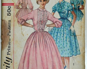 1950s Simplicity Vintage Sewing Pattern 2126, Size 11; Jr. Misses' and Misses' One-Piece Dress