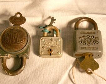 Vintage Lock with Keys//Fraims and Master Locks//Vintage Locks