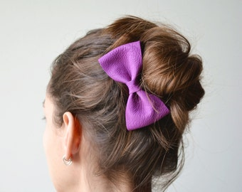 Purple leather hair bow / Purple bow clip / Leather hair bow for children /  Purple hair accessories / Purple genuine leather