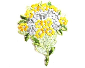 Flower applique, Vintage embroidered applique. Vintage floral patch, sewing supply. #649GC8K1