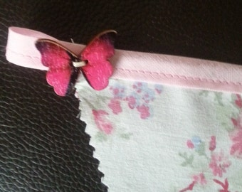 Pink bunting in romantic floral fabrics - 340cm in length - 12 flags