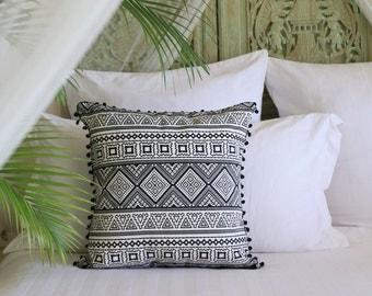 Izel Cotton Cushion Cover