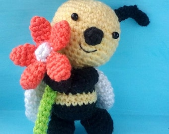 Honey Bee. Bee Pattern. PDF file amigurumi crochet pattern. DIY handmade toy.