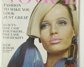 Vintage Vogue magazine, Veruschka, November Nov 6 1966, Franco Rubartelli cover, fashion as is