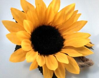 Sunflower Boutonniere, Yellow Sunflower Boutonniere, Rustic Boutonniere, Country Boutonniere, Yellow Brown Boutonniere, Sunflower Jute