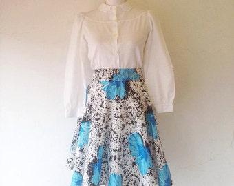 Full skirt with elastic waist