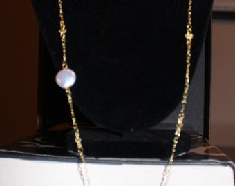 Vintage-like Faux Mother of Pearl Necklace