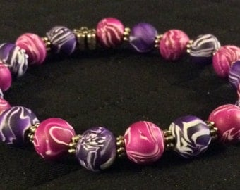 Stretchy Fuchsia and Purple Handmade Polymer Clay Beaded Bracelet With Silvertone Daisy Spacers