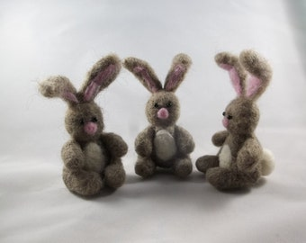 Needle Felted Bunny, Felted Bunny, Miniature Bunny, Collectible Bunny, Felted Rabbit, Easter Bunny, Gray Bunny, Bunny Rabbit