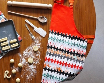 "Patterned Apron- ""Pinch"" Design, Half Panama Cotton"