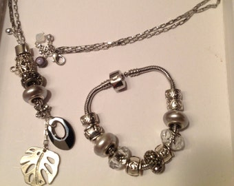Set bracelet and Necklace (gray and silver)