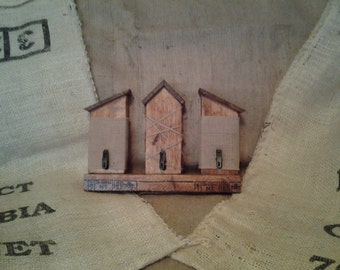 Birdhouse picture or note holder