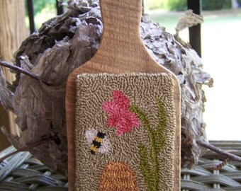 Buzz.....  Primitive Needle Punch Pattern with Barn Wood Paddle